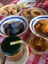 agriturismo in calabria con prima colazione a base di prodotti aziendali biologici