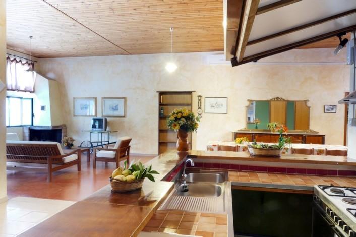 Agriturismo in Calabria_Santacinnara_appartamento con cucina