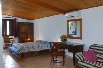 Agriturismo in Calabria_Santacinnara_appartamenti con ampie camere